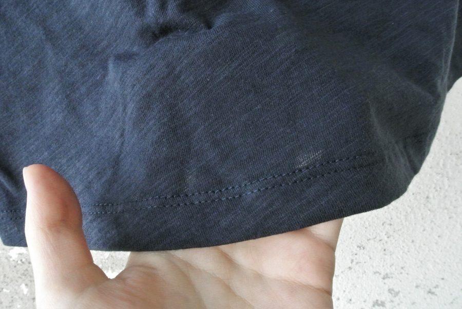 damske tmave sede triko detail